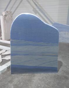 Ruwe steen Azul Macouba met prachtige natuurlijke structuur. AnnaAnna grafmonumenten selecteert speciale stenen
