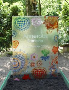 bijzondere glastechnieken door glas en gedenktekenspecialist AnnaAnna