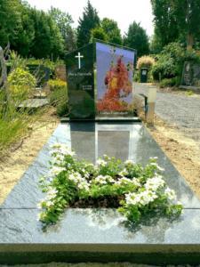 gedenktekens met glas, door glas en gedenktekenspecialst AnnaAnna